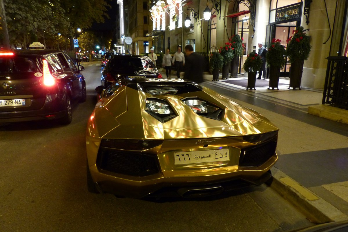 GOLD Saudi Lamborghini Aventador roadster in Paris_Hypercars_ (2)