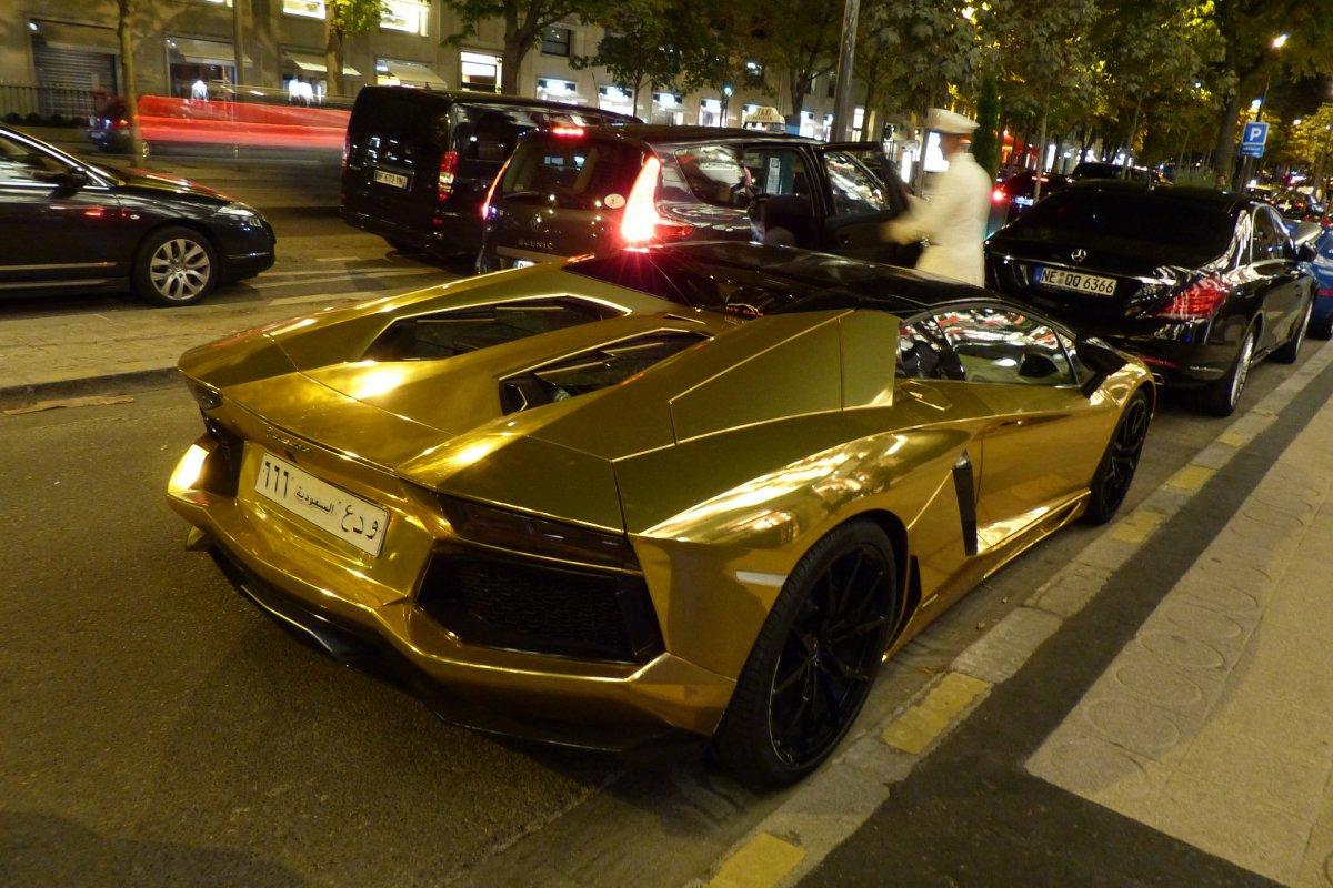 GOLD Saudi Lamborghini Aventador roadster in Paris_Hypercars_ (3)