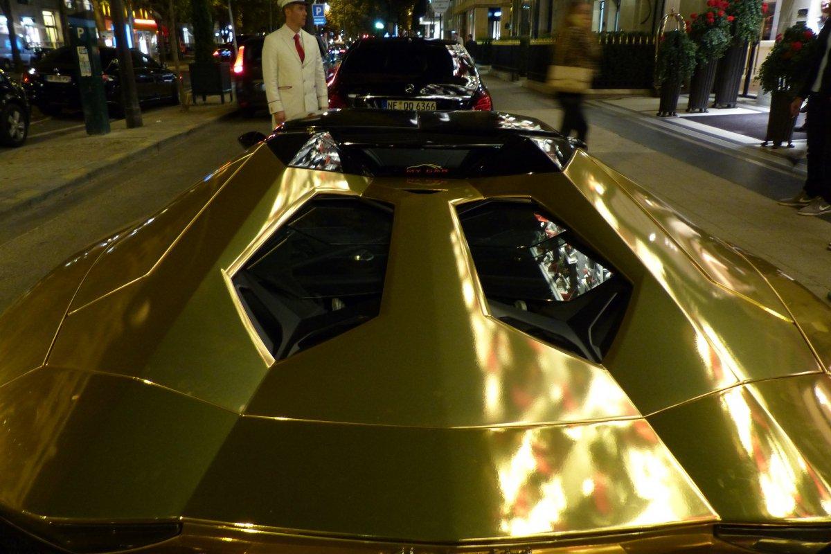 GOLD Saudi Lamborghini Aventador roadster in Paris_Hypercars_ (4)