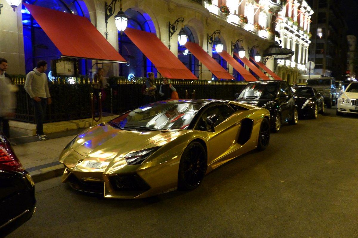 GOLD Saudi Lamborghini Aventador roadster in Paris_Hypercars_ (5)