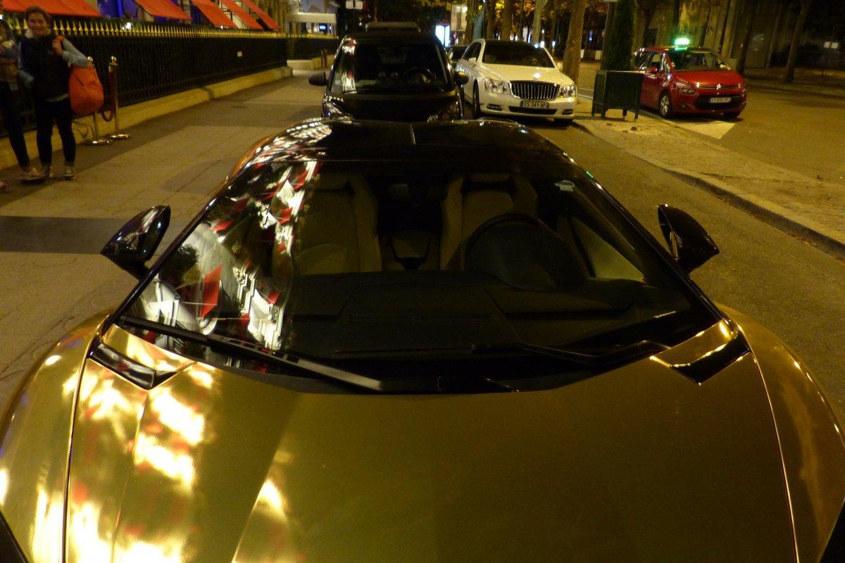 GOLD Saudi Lamborghini Aventador roadster in Paris_Hypercars_ (7)