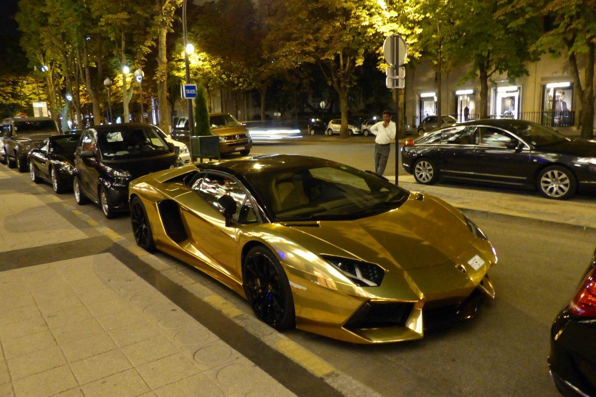 GOLD Saudi Lamborghini Aventador roadster in Paris_Hypercars_ (8)