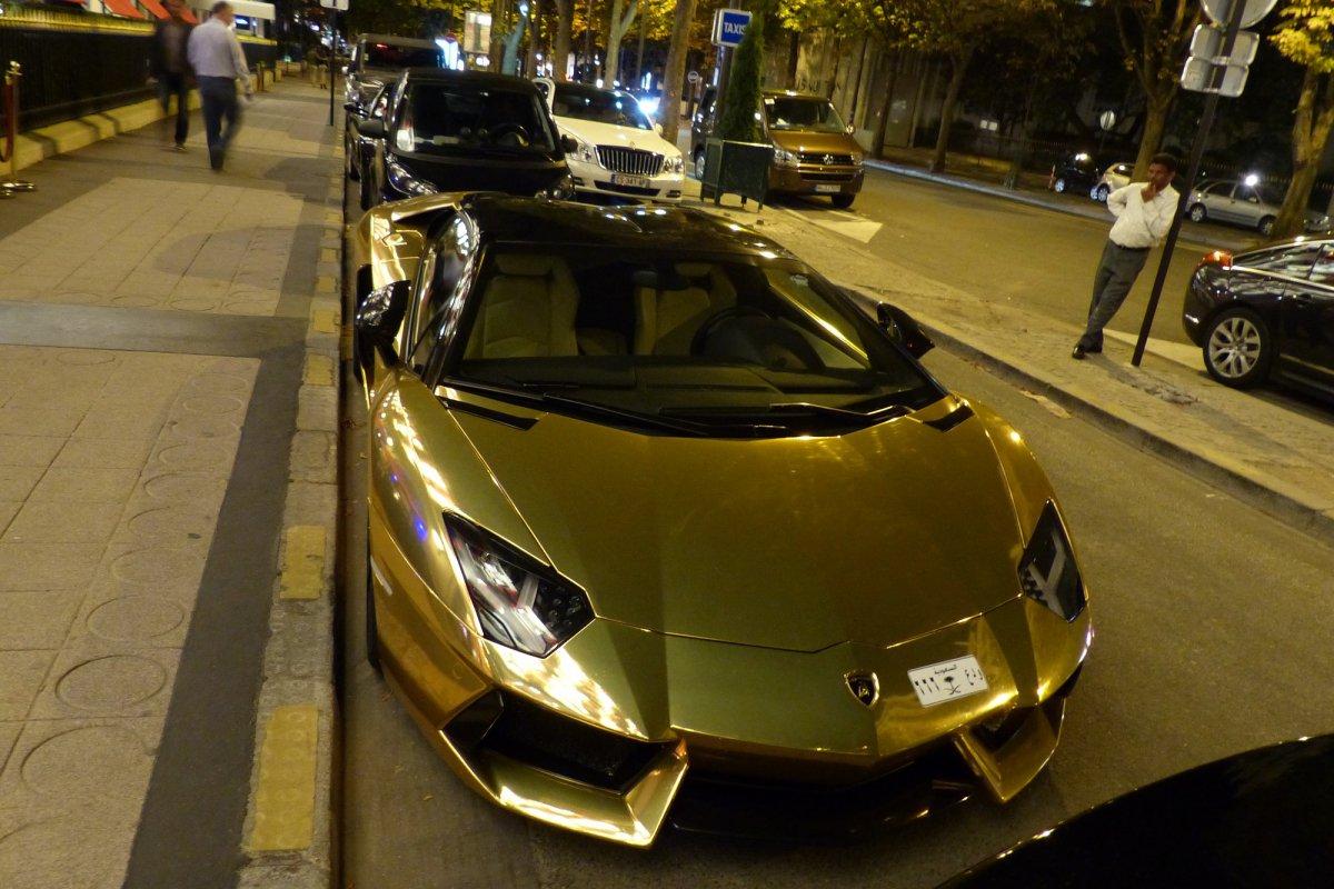 GOLD Saudi Lamborghini Aventador roadster in Paris_Hypercars_ (9)
