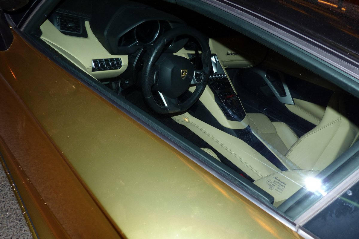 GOLD Saudi Lamborghini Aventador roadster in Paris_Hypercars_ (10)