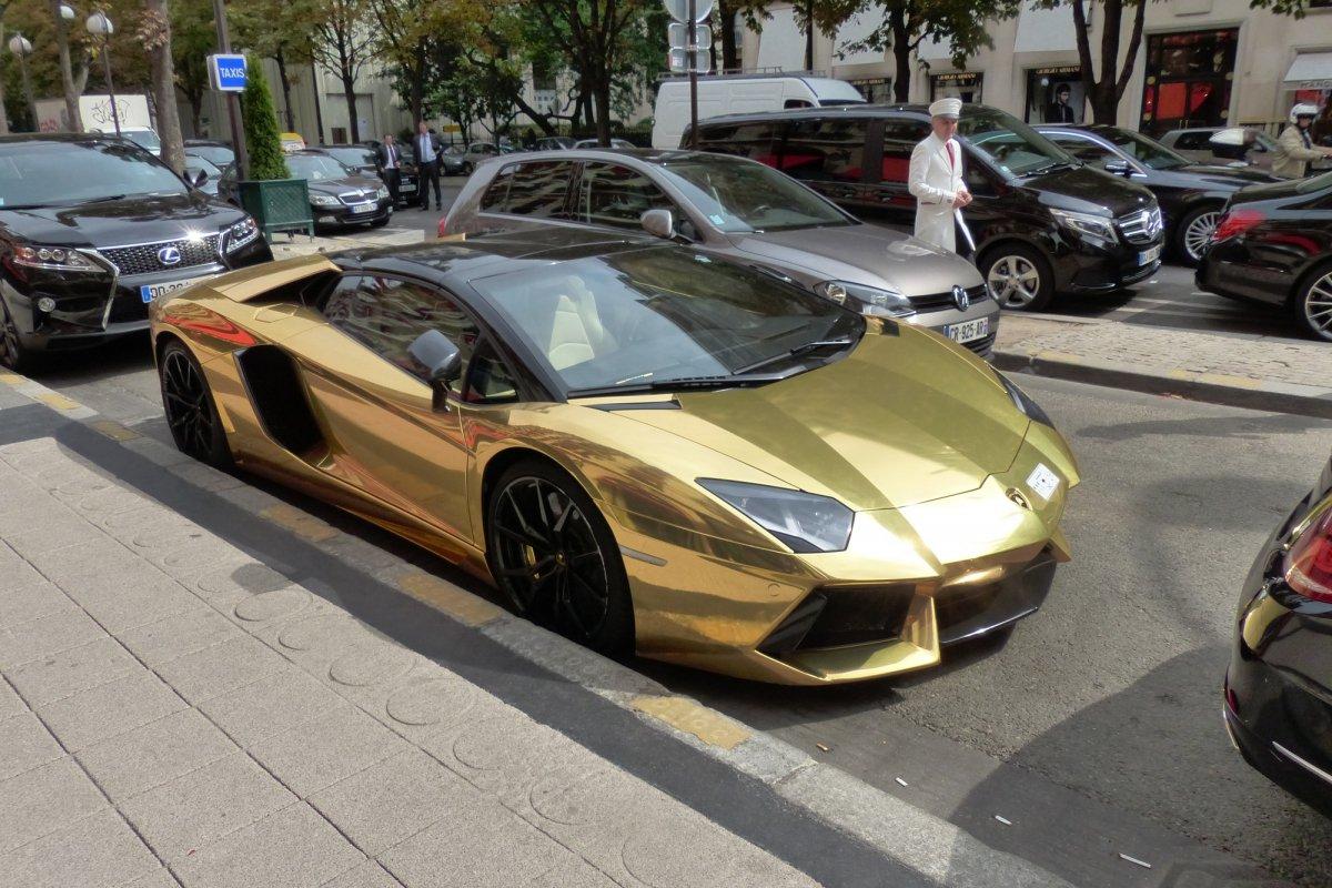 GOLD Saudi Lamborghini Aventador roadster in Paris_Hypercars_ (11)