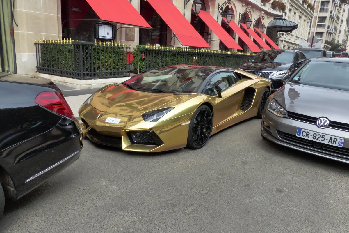GOLD Saudi Lamborghini Aventador roadster in Paris_Hypercars_ (12)