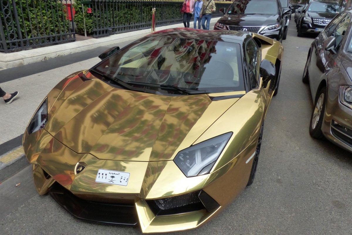 GOLD Saudi Lamborghini Aventador roadster in Paris_Hypercars_ (14)