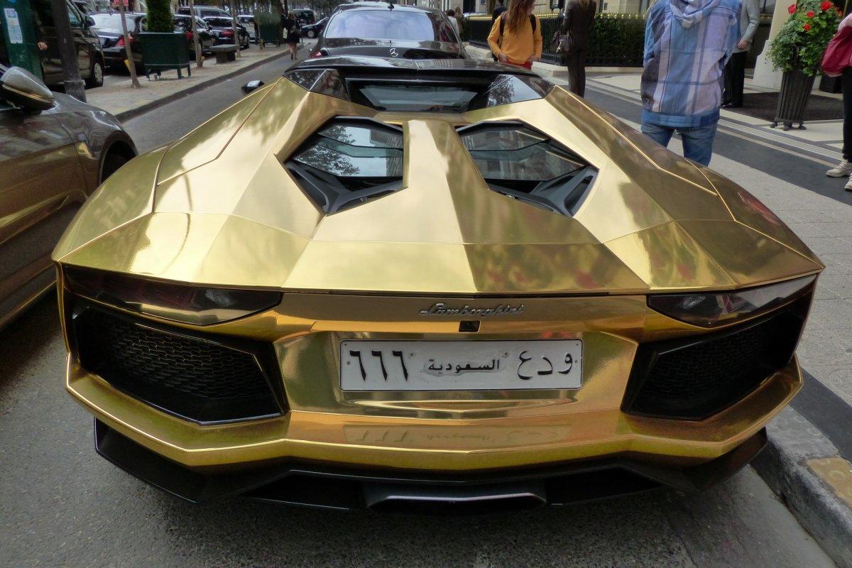GOLD Saudi Lamborghini Aventador roadster in Paris_Hypercars_ (18)