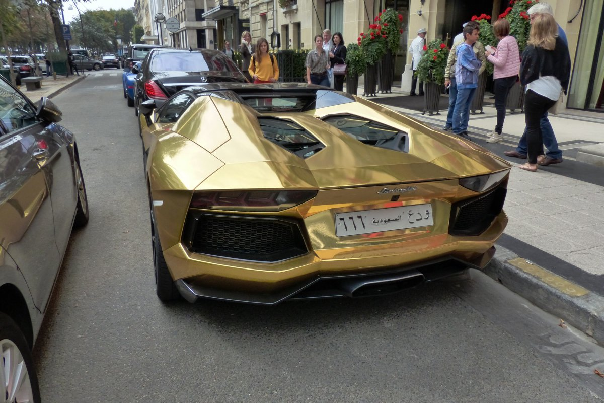 GOLD Saudi Lamborghini Aventador roadster in Paris_Hypercars_ (20)