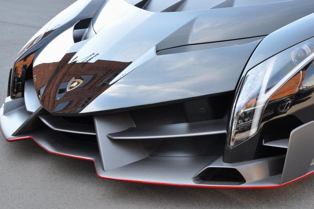 Lamborghini Veneno Roadster  1ère livraison WOW! hypercars (3)