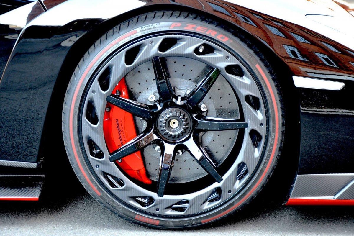 Lamborghini Veneno Roadster  1ère livraison WOW! hypercars (8)