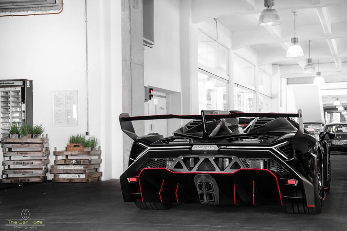 Lamborghini Veneno LP750-4 by Thecarhotel Photography_hypercars_ (1)