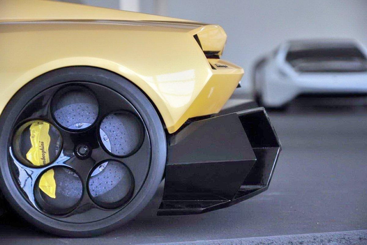 Lamborghini-Cnossus-Concept-hypercars (29)