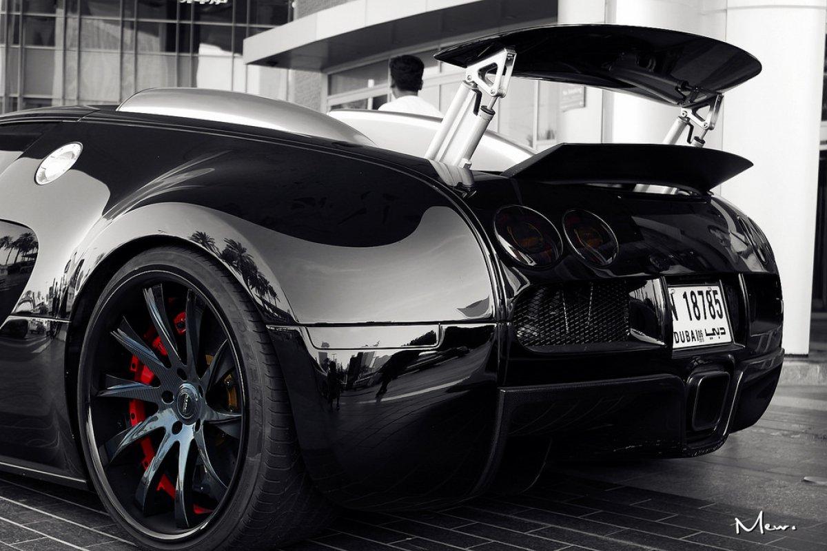 hypercars le sommet de l 39 automobile. Black Bedroom Furniture Sets. Home Design Ideas