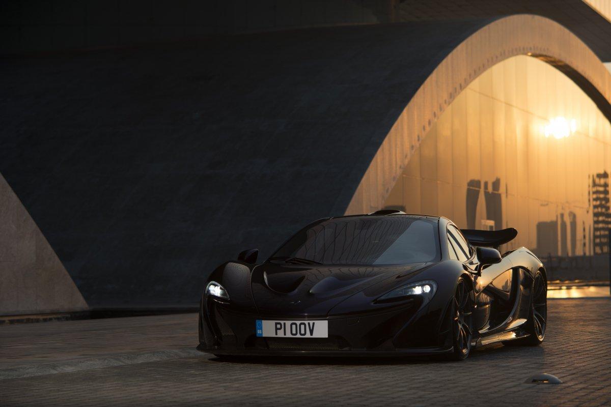 McLaren P1 in Bahrain _ hypercars _  (4)