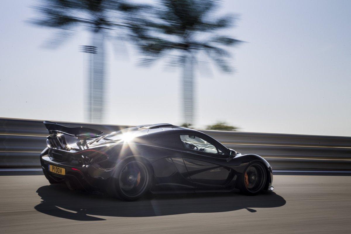 McLaren P1 in Bahrain _ hypercars _  (10)