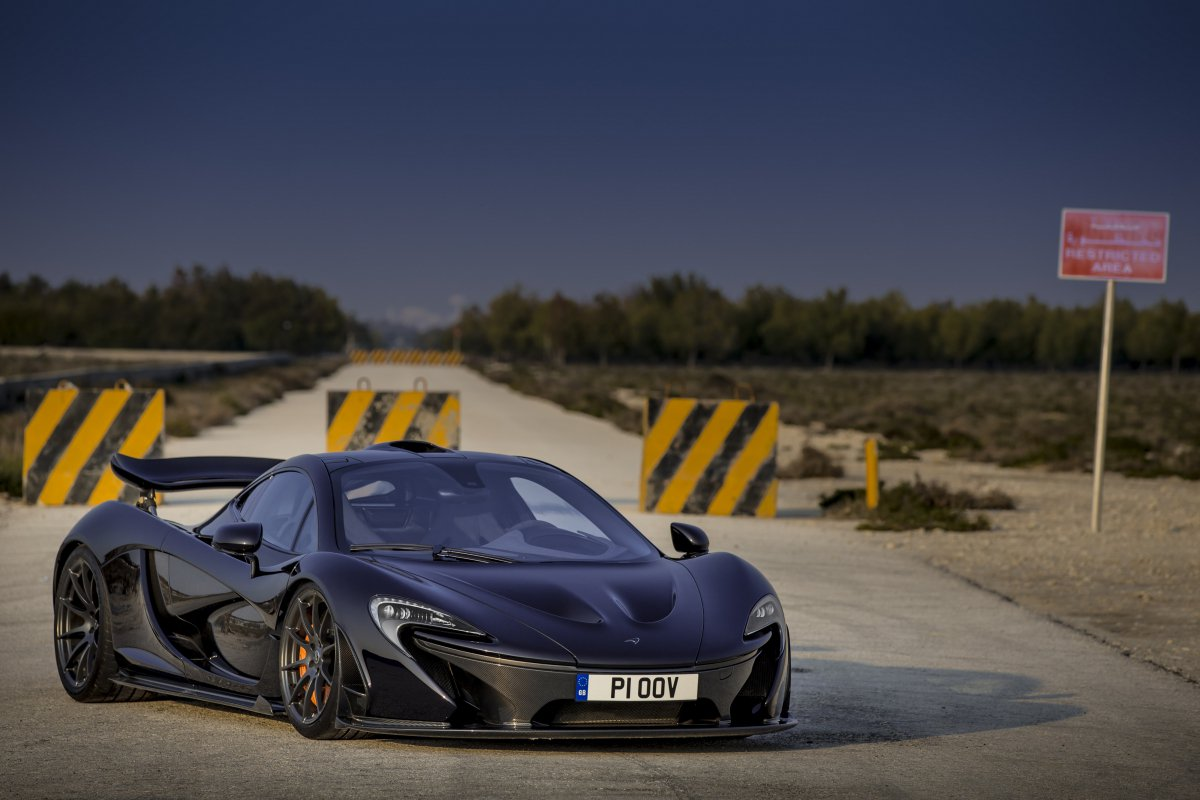 McLaren P1 in Bahrain _ hypercars _  (14)