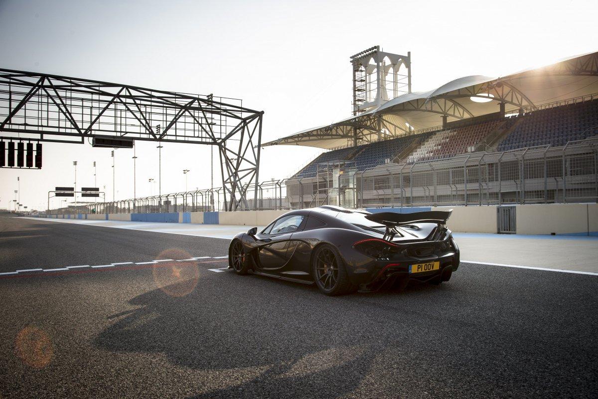 McLaren P1 in Bahrain _ hypercars _  (28)