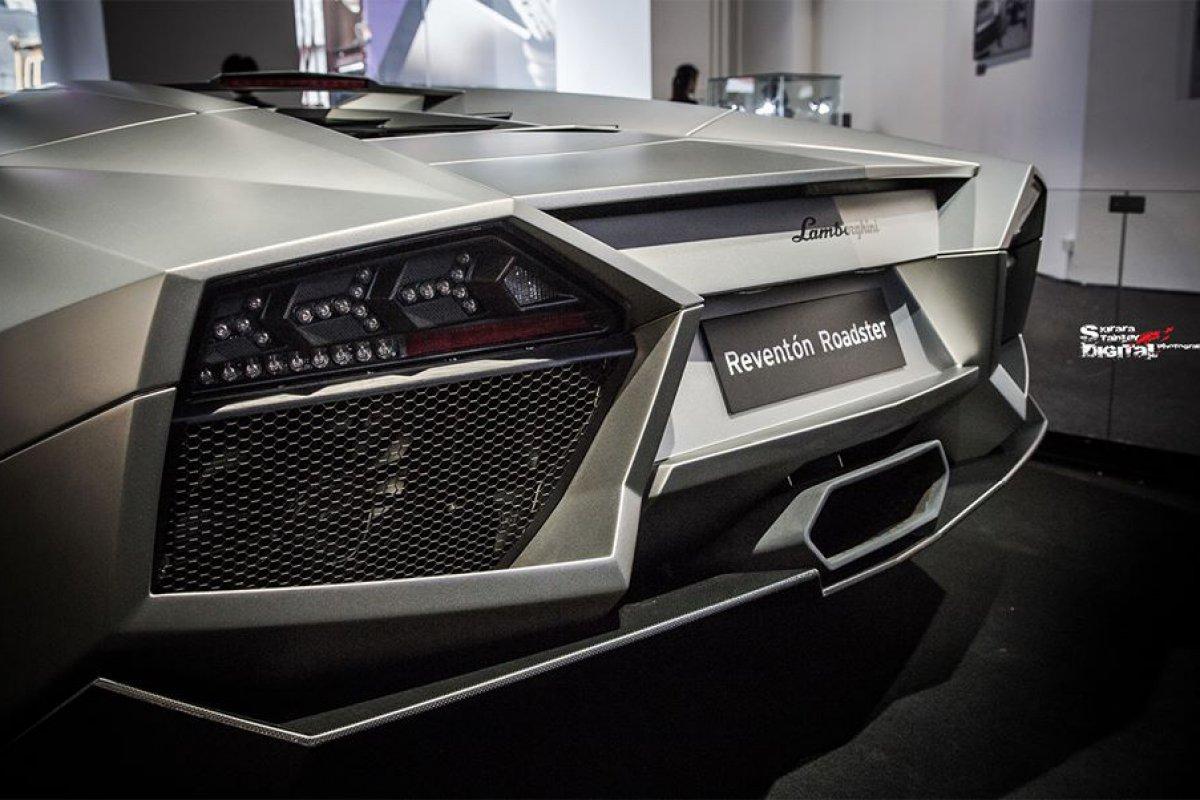Lamborghini Reventón Roadster Hong Kong  by Kirara Stanley Photography hypercars  (7)