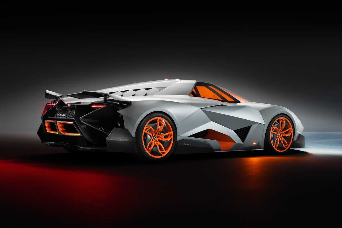 La Lamborghini Egoista fait son entrée au musée hypercars (4)