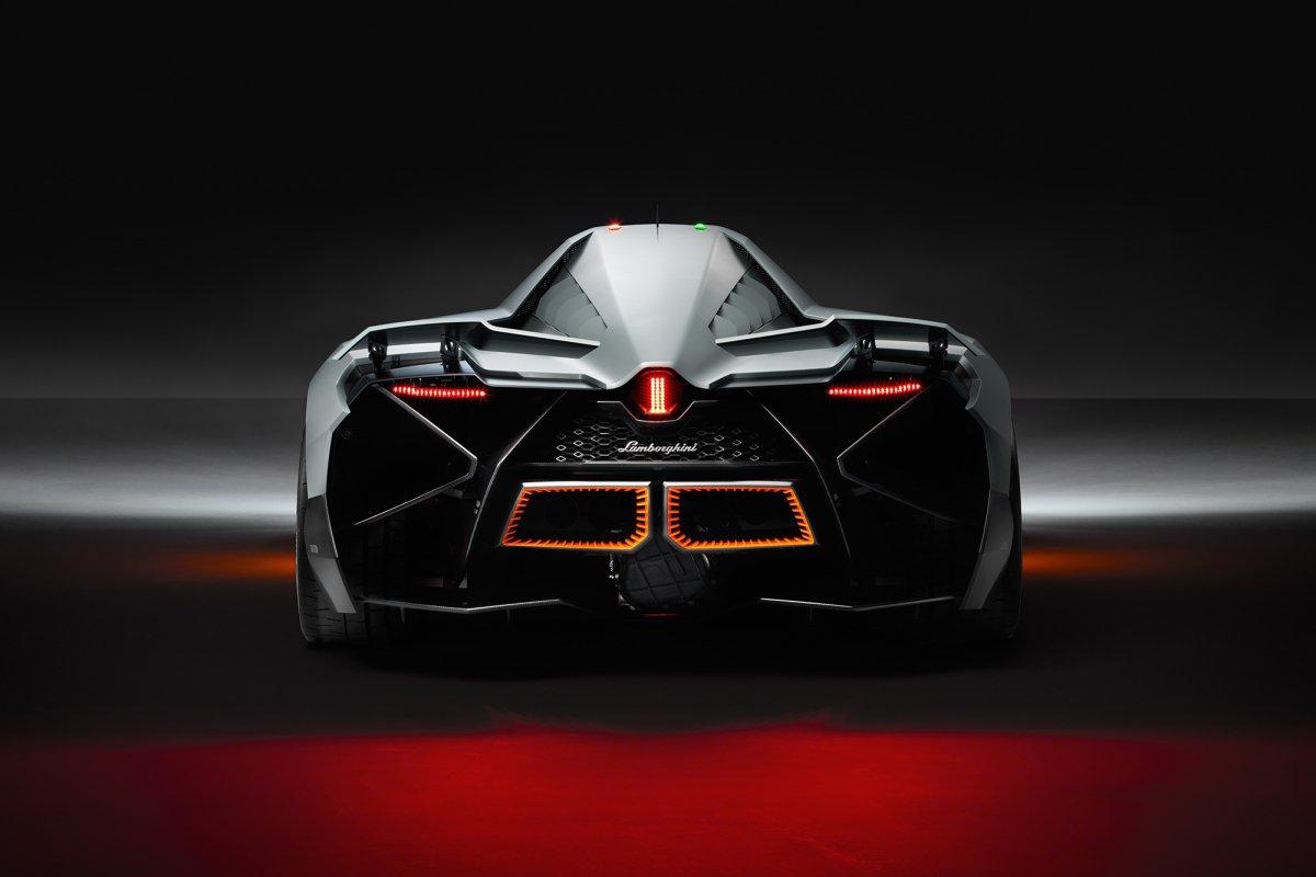 La Lamborghini Egoista fait son entrée au musée hypercars (6)