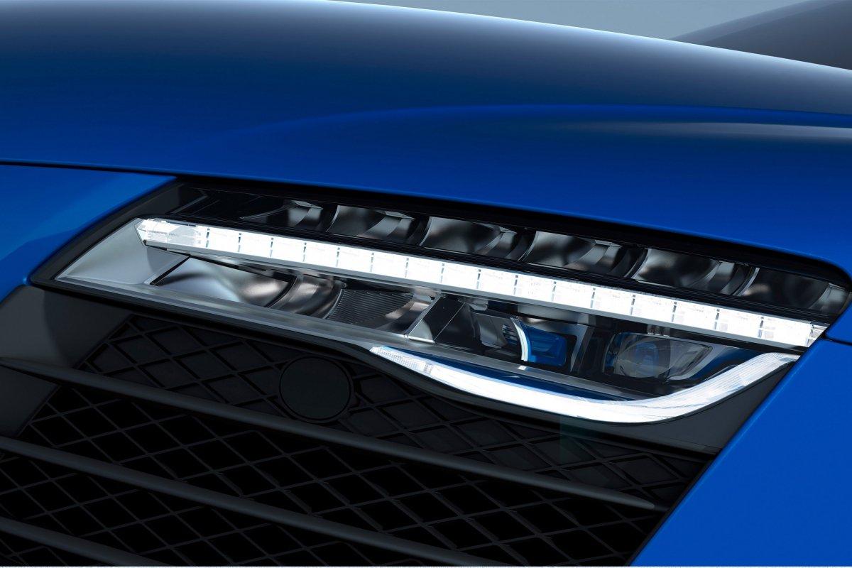 Audi, une nouvelle R8 LMX de 570 ch et équipée de phares laser hypercars (12)