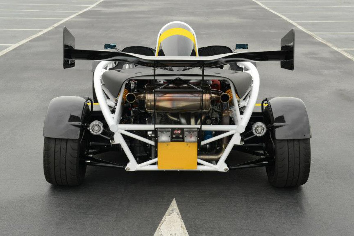 ariel atom 3 5r toujours plus rapide hypercars le sommet de l 39 automobile. Black Bedroom Furniture Sets. Home Design Ideas