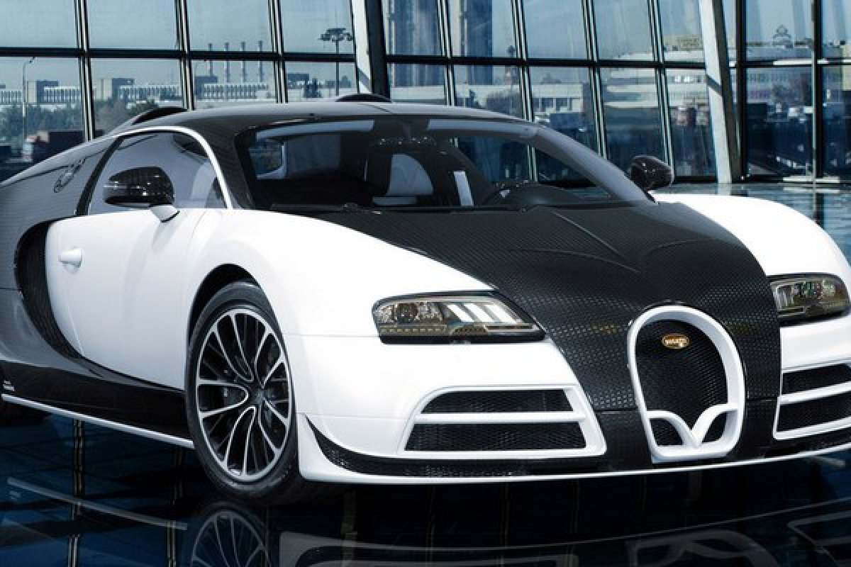 bugatti veyron mansory linea vivere pour 2 5 millions d. Black Bedroom Furniture Sets. Home Design Ideas