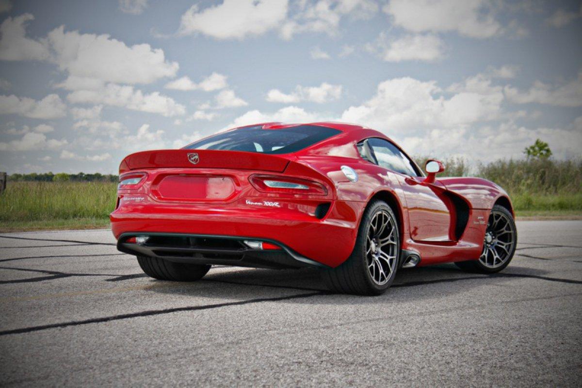 Hennessey Performance  SRT Viper Venom Hypercars 700R.  (2)
