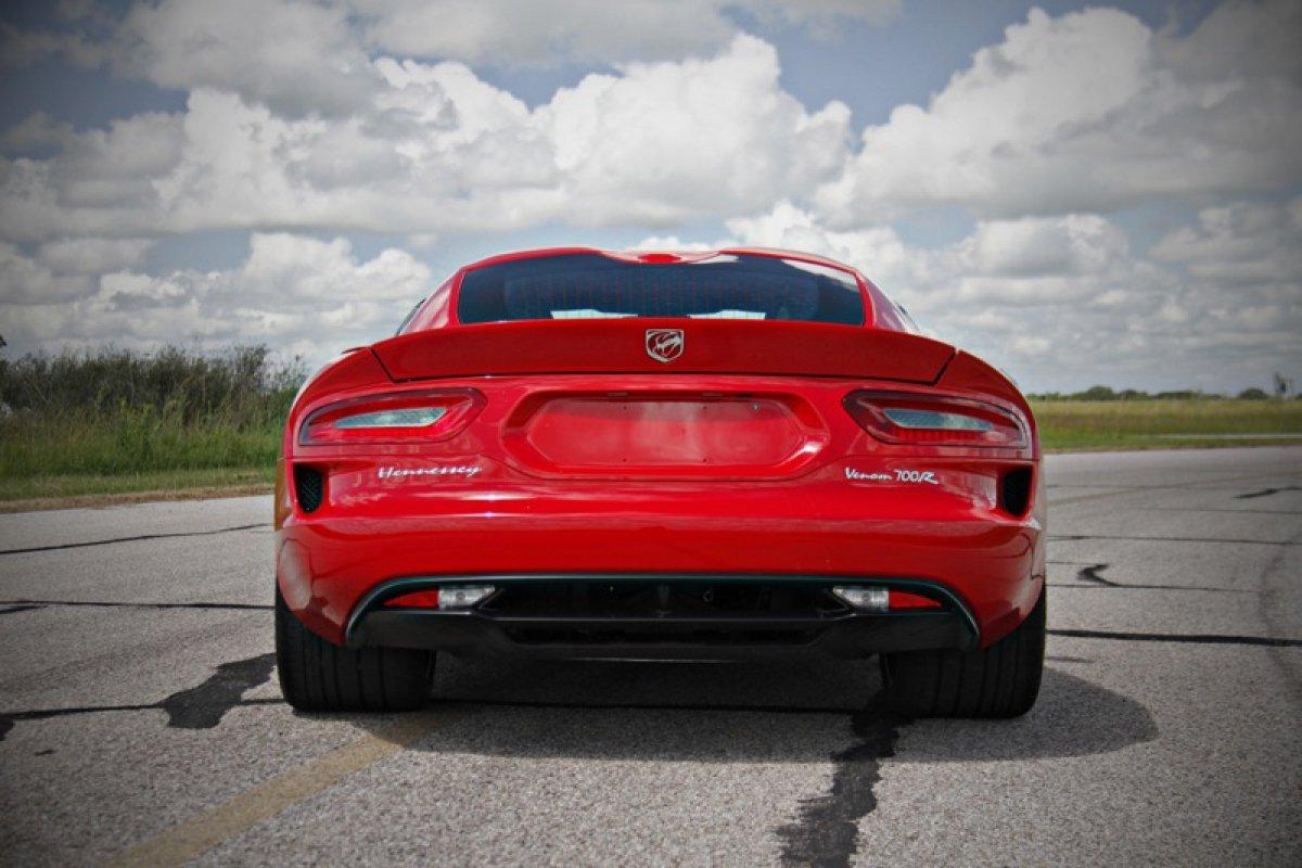 Hennessey Performance  SRT Viper Venom Hypercars 700R.  (4)