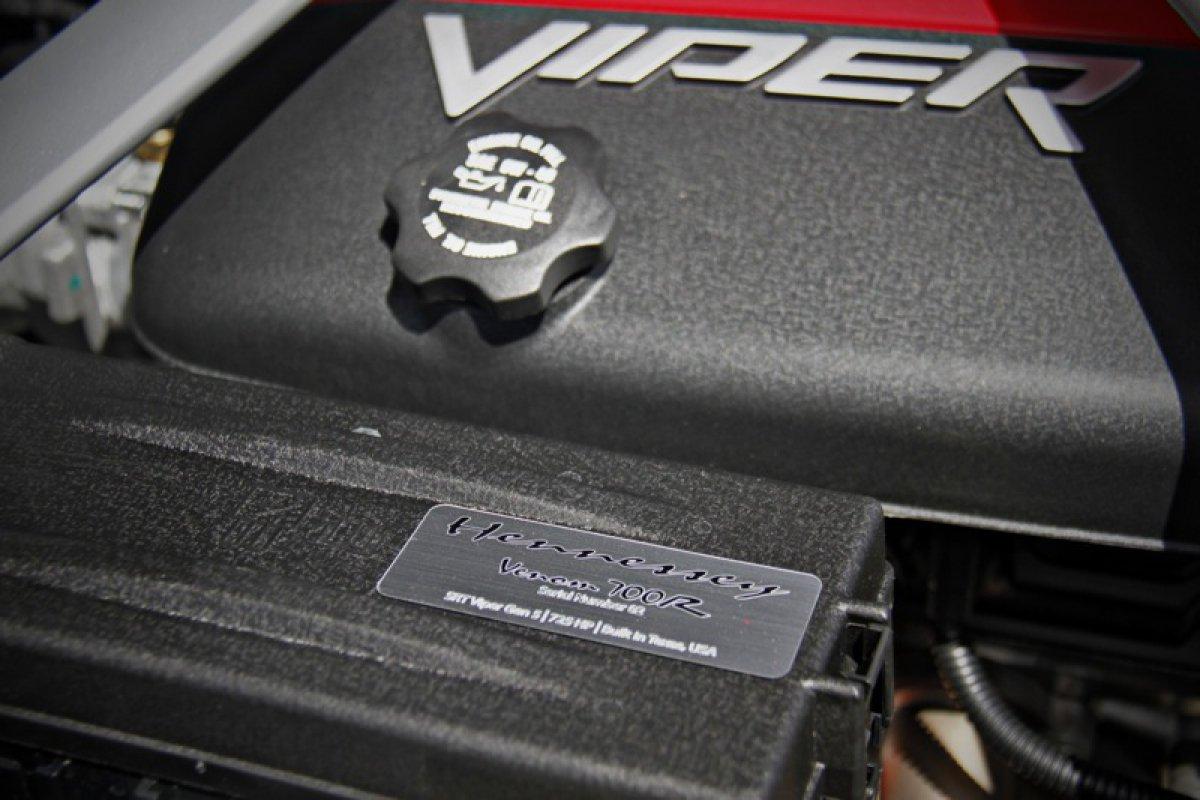 Hennessey Performance  SRT Viper Venom Hypercars 700R.  (7)